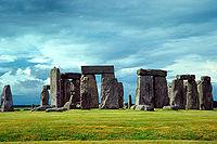 200px-Stonehenge[1]